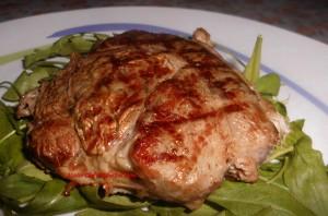 Carne Medaglione di Vitello Arrostita su letto di Rucola