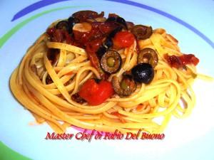 Bavette con Pomodori Secchi, Olive Nere, Capperi