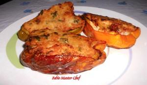 Peperoni Ripieni con Salsiccia, Scamorza Affumicata e Uova Sode