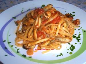 Linguine con Cozze, Seppioline, Cannolicchi e  Gamberetti al Pomodori