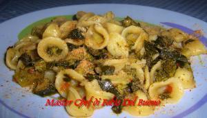 Orecchiette con Broccoli, Pomodori secchi Sottolio al Profumo di Pane Aromatico